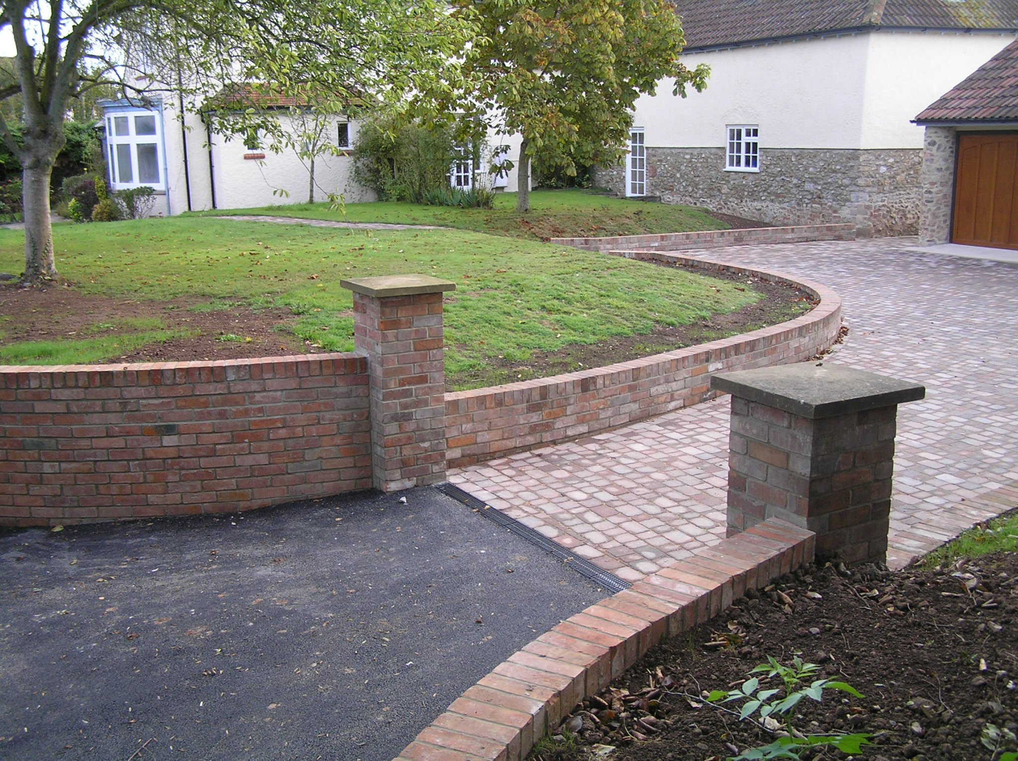 Garden design abacus landscaping design for Front garden drive designs
